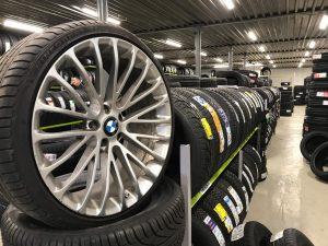MMK Riepu serviss jauni diski BMW Audi VOLVO